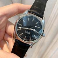 whosale mode großhandel-2019 Whosale Preis New Fashion Mann Uhr schwarz Leder Einzelhandel Uhren hochwertige Uhr männlich Luxus Armbanduhren Top Design Uhr schöne Tabelle