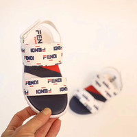 weiße kleinkindmädchen sandalen großhandel-Arbeiten Sie Kindersandale für Jungen weißer Briefdruckmädchen Keilplattformsandale Eu 26-35 Kleinkindmädchensandale um