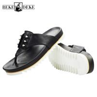 ingrosso pattini di strada di modo degli uomini di estate-British Men Summer Shoes Beach Infradito Street Fashion Rivetti Cow Leather Platform Sandali Design casual Slide sandali all'aperto