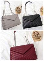 çanta şekilleri toptan satış-Lüks Klasik Çanta V Şekli Flaps Zincir Çanta Çanta Tasarımcısı Yüksek Kaliteli Kadın Omuz çanta Debriyaj Tote Messenger Alışveriş Çanta
