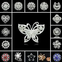 Wholesale vintage pin brooch resale online - Women Fashion Vintage Rhinestone Brooches Crystal Large Snowflake Winter snow Theme Christmas Brooches Pins