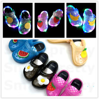 Wholesale kids water shoes resale online - Girls led light Jelly Fruit Strawberry Banana Slippers Summer Kids Non slip Hole Glowing Beach Sandals Princess Water Shoes size25 E31010