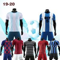 kostenlose lieferung kleidung großhandel-19-20 Fußballbekleidung, kurzärmlige Kleidung, Anzug, Name und Nummer der Verarbeitung. Kostenlose Lieferungsgebühr! 2019330