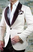 ingrosso migliori marche di cioccolato-Brand New Groomsmen Scialle Chocolate Risvolto dello sposo Smoking One Button Men Abiti da sposa / Prom / Cena Best Man giacca (giacca + pantaloni + cravatta) B397