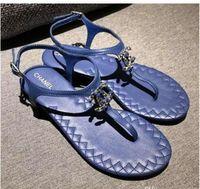 ingrosso zapatos gladiatore-Zapatos Mujer Colour Rivets Spiked Gladiator Sandali piatti Pietre con borchie Sandali Flip Big Size Designer Scarpe economiche per le donne Estate infradito