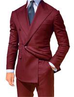 esmoquin de novio burdeos al por mayor-2019 Boda de la moda Esmoquin Borgoña Azul Novio trajes de trajes de padrinos de boda fiesta formal cena trajes de baile (chaqueta + pantalones + corbata) hecho a medida B20