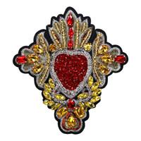 coser parches de strass al por mayor-2 piezas de bordado con cuentas Rhinestone corazón parches coser en la insignia de lentejuelas para ropa camiseta bolso apliques artesanía