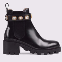 Sapatos femininos moda de luxo marca de couro de alta qualidade e solas resistentes  confortáveis respirável lazer senhora designer botas 90cc2dfa5b8