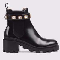 botas cómodas de mujer al por mayor-Zapatos de mujer marca de moda de cuero de alta calidad y suelas resistentes cómodas y transpirables botas de diseñador de dama de ocio