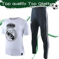 брюки футбол новый оптовых-2019 новый дизайн одежды для Реал Мадрид футбол тройники с брюками спортивные футбольные костюмы белая футболка черные брюки для мужчин размер S-3XL