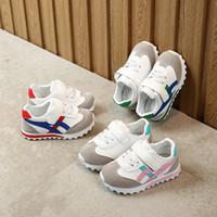 sandalia roja bebé al por mayor-Bebé Sandalias para niños Para niñas Aprenda a caminar Suela de zapato de red única Zapatillas de bebé antideslizantes Zapatos para niños