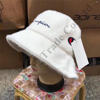 chapéu do balde do inverno das meninas venda por atacado-Campeão bordados Carta Mink lã de veludo Bucket Hat Inverno Caps Mulheres Meninas Designer Grosso Cabeça Quente ao ar livre Neve Gorros C111903