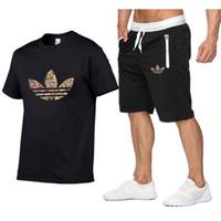 calças homem de verão venda por atacado-Conjuntos de homens de Venda Quente de verão T Camisas + calças Duas Peças Define Casual Treino Masculino 2019 Casual Camiseta Ginásios calças de Fitness homens