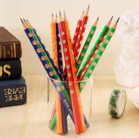 standart ahşap kalemler toptan satış-Sevimli üçgen ahşap HB kalemler düzeltme yazma duruş kalemler okul ofis kırtasiye karikatür sağlıklı standart kalem