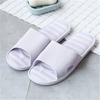 chinelo japonês venda por atacado-Chinelos interior verão casa sapatos antiderrapantes fundo macio dos homens japoneses sandálias de banho chinelos banheiro WMY49