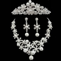 Wholesale faux crystal pearl wedding jewelry sets resale online - Pearls Wedding Crows Wedding Accessories Bridesmaid Jewelry Accessories Bridal Accessories Set Crown Necklace Earrings