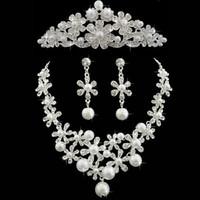 conjuntos de joyas de boda tiara perla al por mayor-Perlas Accesorios de boda Accesorios de boda Accesorios de boda Accesorios de novia Accesorios de novia Conjunto de envío gratuito (Corona + Collar + Pendientes)