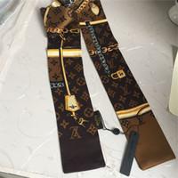 bolsos decorados al por mayor-Marca al por mayor bufandas de seda exquisitos impresos bufandas de seda hombres mujeres cinturón de pelo bolsos de moda decorados con bufanda mariposa