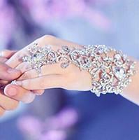 hand-kette armband braut großhandel-Auf Lager 2019 Sparkly Fingerless Kristall Blume Braut Hand Kette Frauen Tanzen Hand Armband Armreifen Schmuck Braut Hochzeit Zubehör