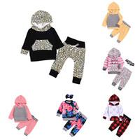 leopar bebek çocuk giysileri yazdır toptan satış-Çocuklar Boys Kapşonlu Suit Bebek Kız Leopar Letter Kapşonlu Seti Çocuk Tasarımcı Giyim Kız Baskılı Pantolon Bebek Splice Cep Kıyafetler 06