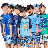 ingrosso ragazzi tre pezzi blu vestito-Costume da bagno a manica corta a pois per bambini Costume a tre pezzi a pois costume da bagno per bambini