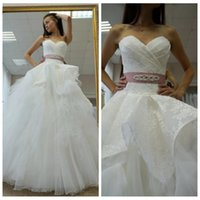 gelinlik tatlım boyun çizgisi prenses dantel toptan satış-Satış Dantel Aplikler Balo Gelinlik Ucuz elbise de suare Gelin Elbise için romantik Sevgiliye Boyun çizgisi Prenses Gelinlik
