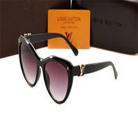 gafas de sol para niños niñas al por mayor-Nuevas gafas de sol de diseñador de lujo para niños Moda redonda Estilo de verano Niñas Niños Gafas de sol Niños Suministros de playa Gafas de protección UV