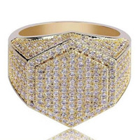 18 k swarovski kristal elmas yüzük toptan satış-Yeni Hip Hop Erkek Yüzük Buzlu out 3A Rhinestones Bakır yüzükler lüks Jewlry Altın Gümüş Moda Takı Toptan Sıcak