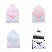 runde papier geschenk-boxen großhandel-Blumen-runde Punkt-Geschenkbox-Streifen-Umschlag-Art Blumenstrauß-Kästen, die kreatives Papier grau-schwarzes Art-