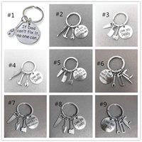 schwarze holzketten großhandel-Vatertag Verkauf Personalisierte Schlüsselanhänger kreative Geschenke Handwerkzeuge Schlüsselanhänger Hand Papa kann es reparieren