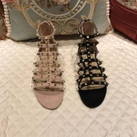 sandales d'été de filles sexy achat en gros de-Été populaire dames de style ongles dames sandales fête sexy mode femmes chaussures plates rivet chaussures de mode étudiants fille