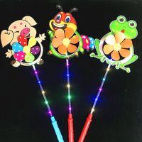 levou moinho de vento brinquedo venda por atacado-LED Windmill crianças luminescentes Moinho de Flash Brinquedos coloridos dos desenhos animados Pato Pinwheel Night Lights Flower Dog Pet Moinhos GGA2695