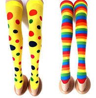 ingrosso costumi di polka di natale-Calze di Natale Costume di Halloween Costume Cosplay Calze lunghe Arcobaleno Striped Polka Dots Clown Calze Accessori anime giapponesi Puntelli 70cm