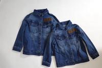 ceket çocuk kız kot toptan satış-Ücretsiz kargo Yürüyor Boys kız Denim Ceket Çocuk Giyim Bahar 2019 Çocuk Turn Down Yaka Ceket Jaqueta Kot