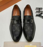 hommes mocassins gris achat en gros de-2020ss haute qualité luxe mocassins à la main pour hommes robe robe chaussures chaussures de brevet imprimés pointes gris blanc noir taille 38-45 avec boîte