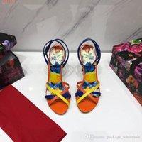 turuncu topuklu ayakkabı toptan satış-Yeni moda yüksek topuklu kadın sandalet Elmas dekorasyon Turuncu ve beyaz seksi yaz sandalet klasik tarzı