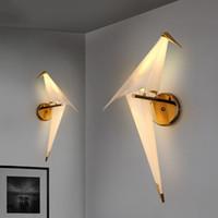 başucu duvarı lambaları toptan satış-Yaratıcı LED Kuş Tasarım Duvar Lambası Origami Kağıt Vinç duvar aplikleri Başucu Lambası Duvar Işık Yatak Odası Çalışma Fuaye 110 V için 220 V