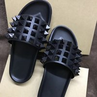 hakiki deri erkek sandalet toptan satış-Erkekler tasarımcı terlik Lüks Slaytlar Çevirme Kırmızı Alt Sandalet Spike Ayakkabı Ile Hakiki Deri Erkek Siyah Düz Rahat Plaj ayakkabı