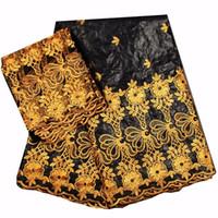 patio de encaje de oro al por mayor-(5 + 2 yardas / set) Negro y oro tela de encaje africano Bazin con maravilloso bordado y perlas para la fiesta envío gratis Hl025