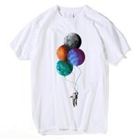 ingrosso camicia a maniche corte-Cartoon Balloon Print Cosmonaut And Moon T-shirt da uomo Estate Maglietta manica corta Casual Harajuku Streetwear T Shirt Uomo S5mc62