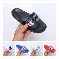 chaussures casual pour hommes pour l'été achat en gros de-Nouveau Designer Chaussures Champions Tongs De Mode Pantoufles Hommes Femmes D'été Plage Pantoufle Casual Sandales De Haute Qualité Scuffs Chaussures Taille 36-45