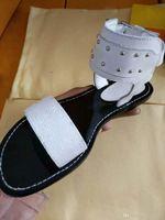 chaussures à talons épais vert achat en gros de-2017 vente chaude femmes talon épais sandales chaussures bureau dame casual bas épais sandales vert talons courts filles mode chaussures noires 35-46