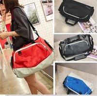 naylon çanta omuz askısı toptan satış-Marka UA Tasarımcı Çanta Erkek Kadın Seyahat Duffle Spor Tote Omuz Çantaları Unisex NAYLON Su Geçirmez Luggages Kaykay Sapanlar B71303