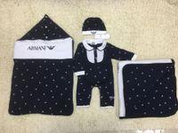 bebek uyuyan romper toptan satış-5 adet Set erkek bebek Uyku Tulumu + battaniye + romper + kap + önlüğü Karikatür baskı Yenidoğan giyim seti Marka ücretsiz kargo