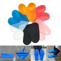zapatos de cubierta plana unisex al por mayor-Hombres Zapatos de Mujer Cubierta Unisex Reutilizable Rain Gear Botas Zapatos de Nieve Cubiertas Cubrebotas Impermeables Transparentes Silicona Plana S / M / L