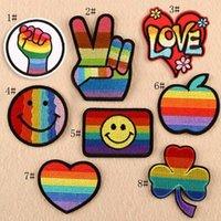 applique eisen kleidung großhandel-8p-40 multicolorl stickerei patches regenbogen eisen auf flecken lächelndes gesicht blätter abzeichen applique handwerk kleidung zubehör für tuch