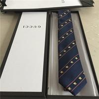 gravatas do ouro dos homens s venda por atacado-Designer de qualidade empate 100% laço de seda marca caixa de presente 7 cm de ouro edição clássica de luxo homens casual laço estreito