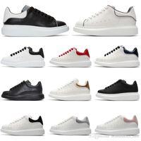 mens casual chaussures gris achat en gros de-Pas cher Designer Casual Chaussures Plate-forme 3M réfléchissant mode luxe hommes femmes blanc noir gris rouge en cuir baskets Chaussures hommes formateurs