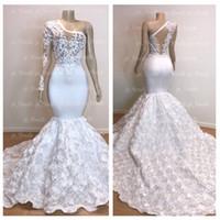 bir omuz beyaz seksi elbiseler toptan satış-Yeni Muhteşem Bir Omuz Beyaz Mermaid Gelinlik 2019 Uzun Çiçek Tren Dantel Aplike Abiye Pageant Parti Abiye