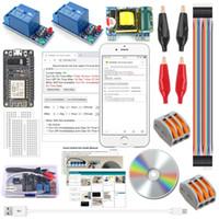 module de relais arduino achat en gros de-ESP8266 Kits de commutation intelligents sans fil Wifi Smart Home avec 2-Pcs 1 Module de relais de canal 110-240V au convertisseur de 5V pour Arduino IDE IoT Starter